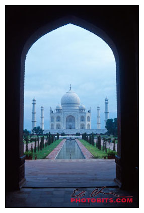 Taj Mahal through Entryway