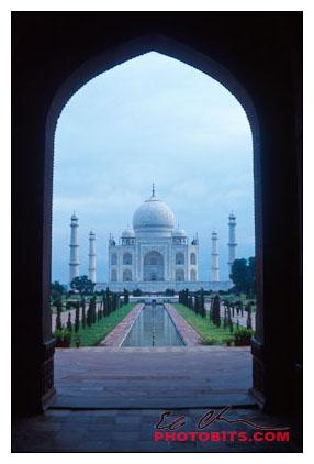 Taj Mahal through Entryway